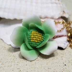 """Vintage green enamel metal flower pendant 16"""""""